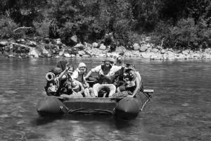 Bachüberquerung mit Boot