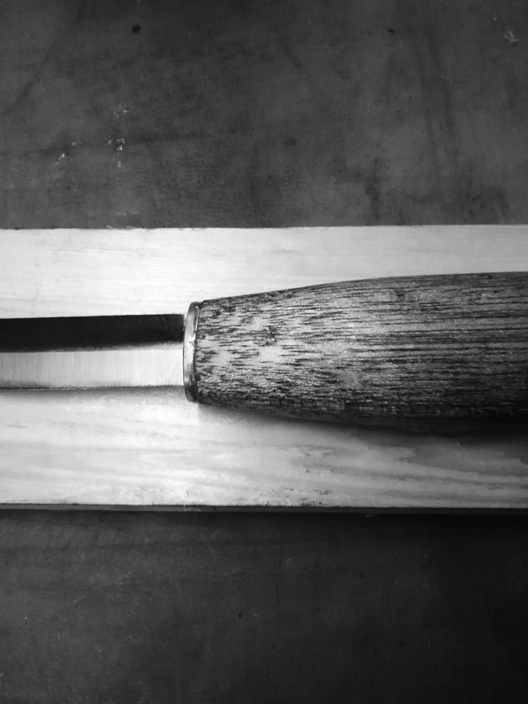 Messer, das älteste Werkzeug des Menschen